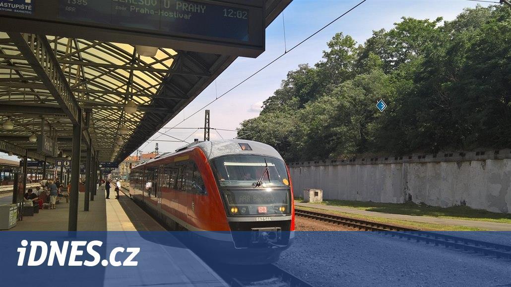Rakve čeká přesun, na koleje míří moderní Siemens Desiro