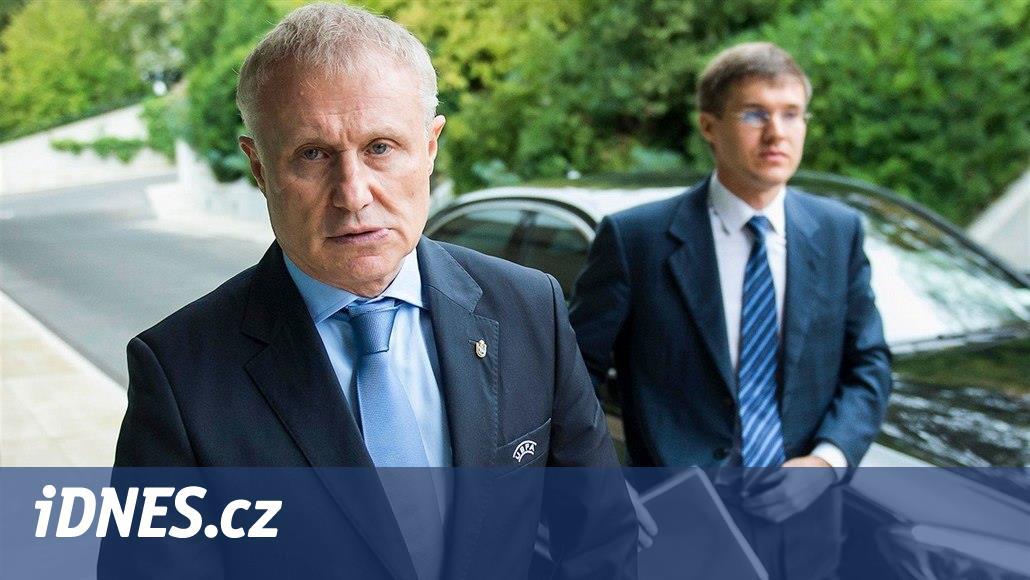 Surkis patří k nejbohatším Ukrajincům, do země přivedl a úspěšně
