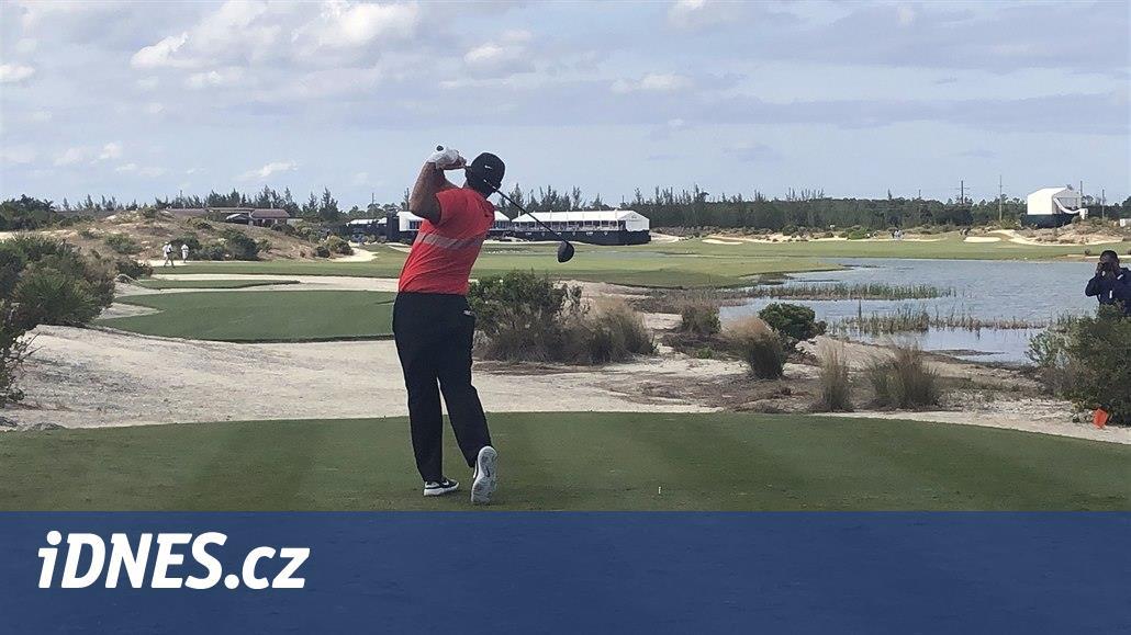 Golfista Reed i kvůli penalizaci na Bahamách ztratil vedení