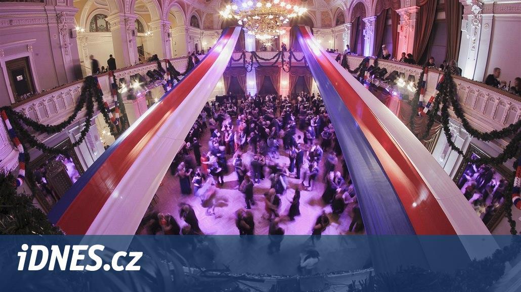 Ples v duchu první republiky. Plzeň slaví výročí vzniku Československa