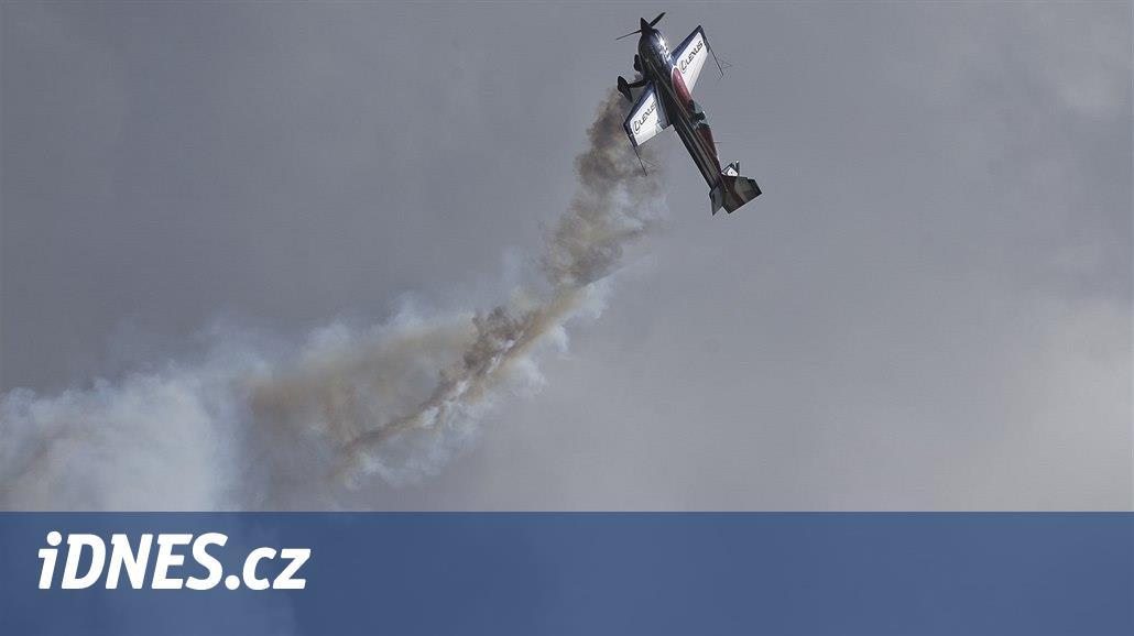 Akrobatický pilot Kopfstein si letos poprvé nevylétal ani bod