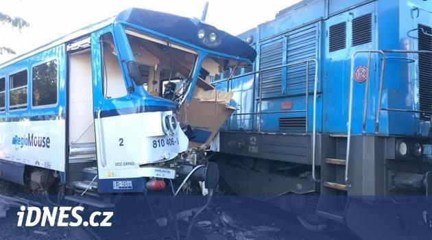 Ve stanici na Domažlicku se srazily vlaky, zraněno je přes dvacet lidí