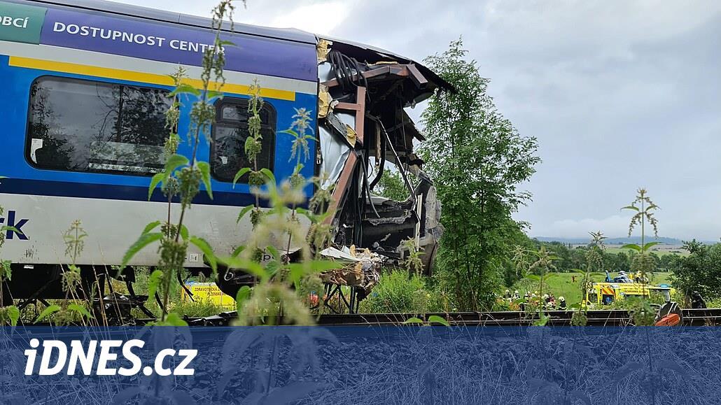 PŘEHLEDNĚ: Nejtragičtější srážky vlaků v Česku za posledních dvacet let