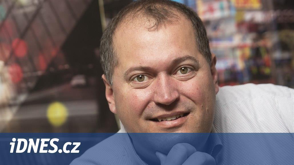 Petr Vlček osvítí a ozvučí automobilku, divadlo i letiště