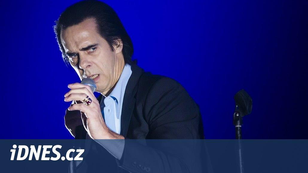 RECENZE  Uhrančivý Nick Cave měl vyprodanou halu jako na povel - iDNES.cz 7c6c637e7a