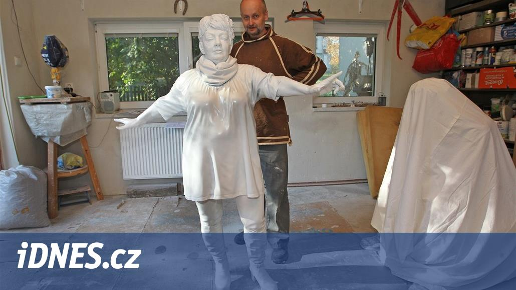 Tušil jsem, že bude velmi kontroverzní, říká autor sochy Špinarové