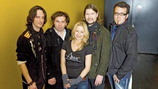 Internet - tvmovie.de; Theresa Scholze s hudebn� skupinou Reamonn (Sebastian Padotzke, Philipp Rauenbusch, Theresa Scholze, Raymond Garvey, Uwe Bossert, zleva doprava)